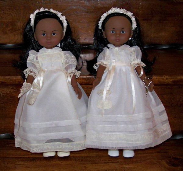 """Les jumelles font leur """"communion privée"""""""