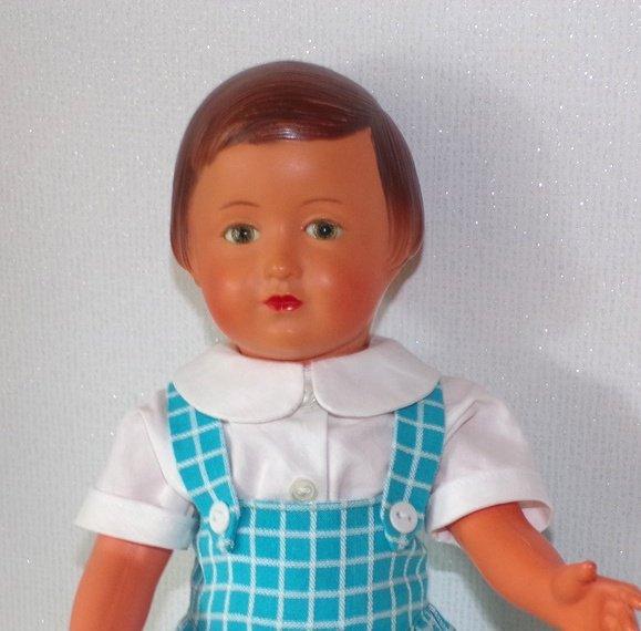 Françoise  aussi voulait une nouvelle tenue