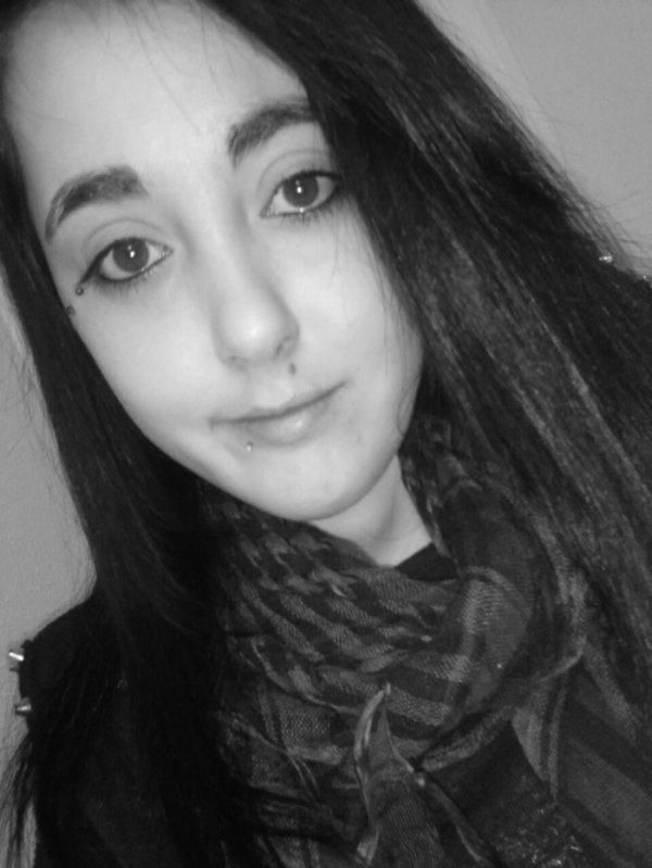 → (  Foutez vous dans le crâne que personne ne peut être 'parfait' , MERDE !  ) ← ❤