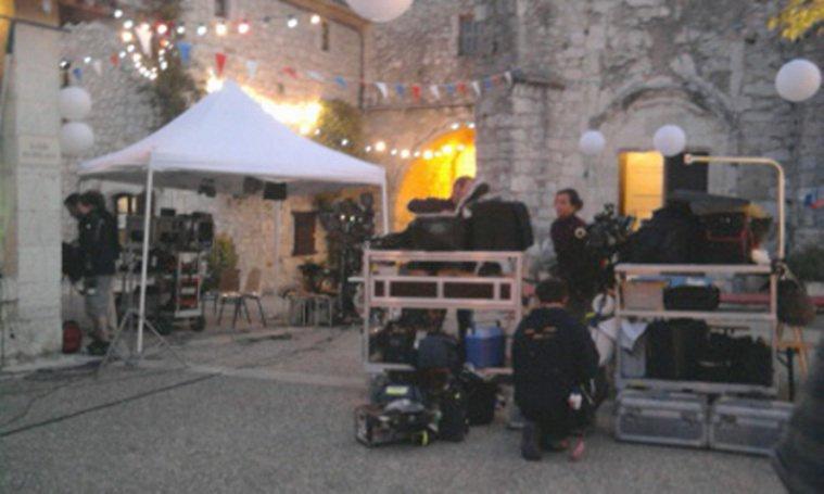 """Sur le tournage de """"vive la france""""avec José Garcia et Mikael Youn."""