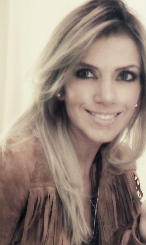 Labor de periodista Andrea González-Villablanca, reconocida por medios internacionales como sitio especializado en MRKH.