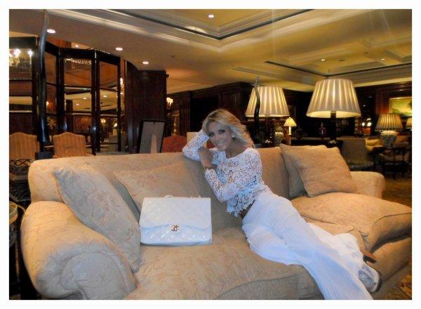 Periodista Andrea González-Villablanca logra gran éxito en Rusia con su entrevista al Club Bilderberg
