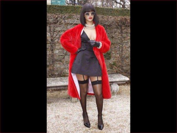 Rihana durant son séjour à Paris...