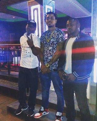 TCHAKDOLLAR KING AU BOUCAN SNACK A YAOUNDE - MEILLEUR RAPPEUR -CAMEROUNAIS -BOSS ET ROI D ELA TRAP MUSIC -2016-2017 -BOOBA - KAARIS -GRADUR -MIGOS-WAKA FLOKA FLAMES-HIP HOP 237 : 'Get Out The Way' by Tchakdollar King -