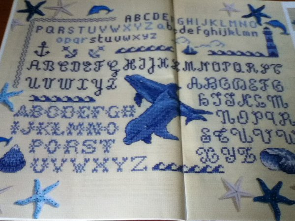 grille  N°2  abecedaire bleu mer