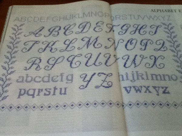 grille  N° 43 alphabet bleu