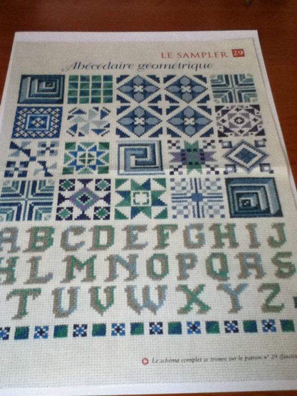 grille  N° 77 abecedaire geometrique