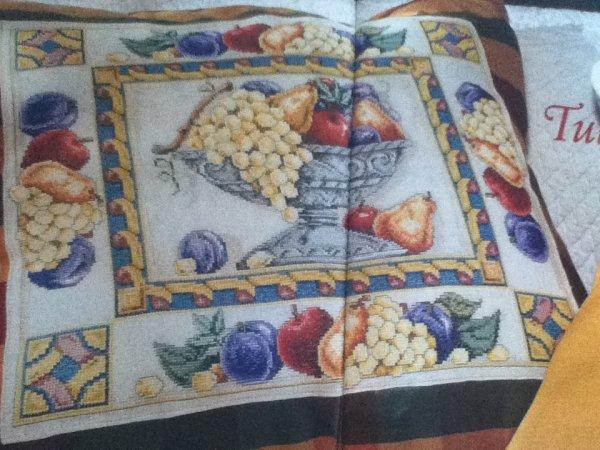 grille  N° 93 tutti frutti