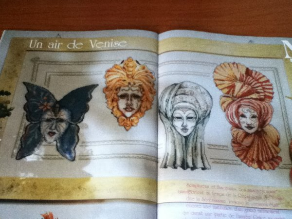 grille  N° 118 LES MASQUES