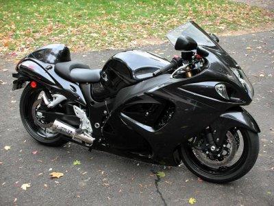 hayabusa la plus puissante moto au monde me93150. Black Bedroom Furniture Sets. Home Design Ideas