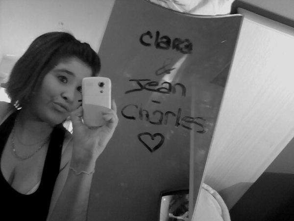 » Clara . 17 αns . C0UPLE ( ღ ) . Rennes ♥ . Esthétique :) Photo ,, Musique