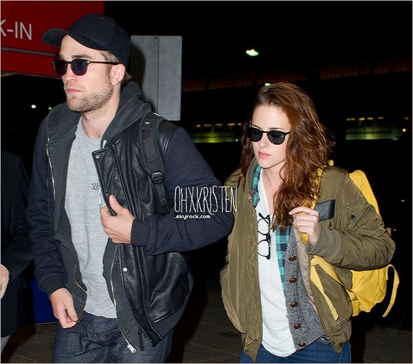 November 26 2012  - Robsten ont étés repérés à l'aéroport de New York puis à leur arriver à LAX Los Angeles.