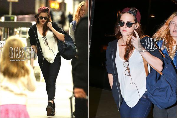 December 26 2012  - Alléluia elle est sortie ! Kris sortant et montant dans une voiture avec un lance pierre dans sa poche (??) Que penses tu de sa tenue ?