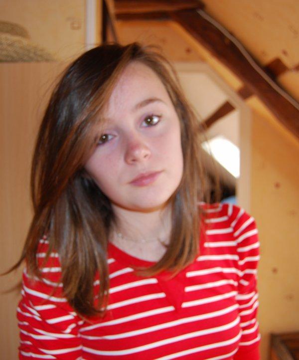 Follow moi : @Abby1_D . ;)