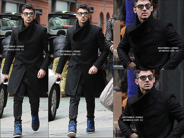 11/02/2012 : Joe était au lancement de la collection été de Jeremy Scott  à la boutique Adidas (New  York).
