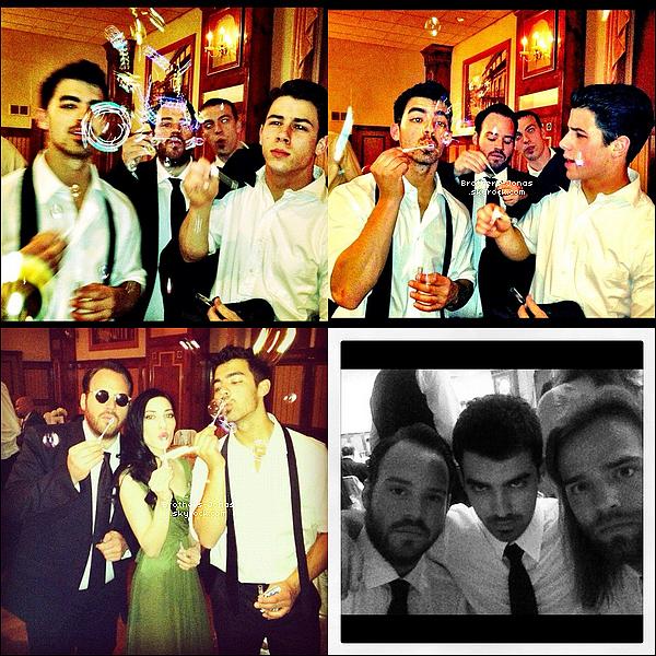 13/04/2012  : Joe et Nick sont allés déjeuner entre frères au Pastis Restaurant dans New York..