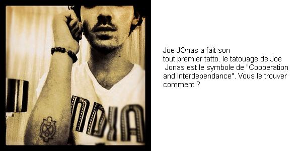 13 Octobre 2012 : Joe et nick Jonas ont été vu avec des amis allant déjeuner dans New York City.