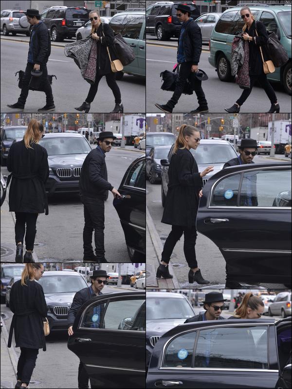 29/03/2013 : Joe et sa petite amie Blanda ont été vu quittant l'appartement de jonas dans New York.