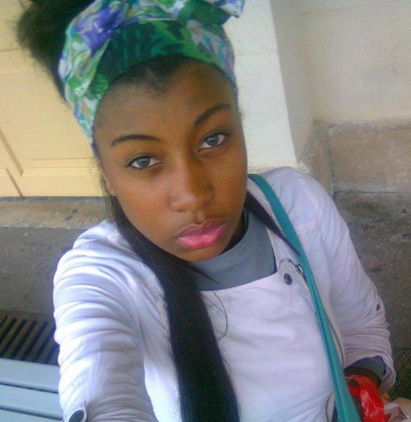 Ma best ma seul vraii de tt meiiy  pote  ## s'pas une tissmeiy##   ([j'accepte pas leiy commentaire)