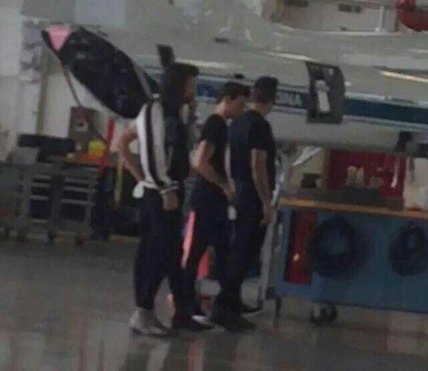 Louis, Liam, Harry et Andy sur le tournage de Drag Me Down à la NASA