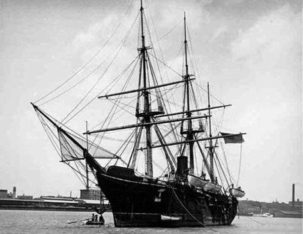 """Un bateau, une vie - L'histoire du baleinier """"Essex"""""""