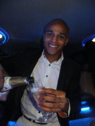 Bouteille de champagne.... on ne fait pas les choses a moitié ;)