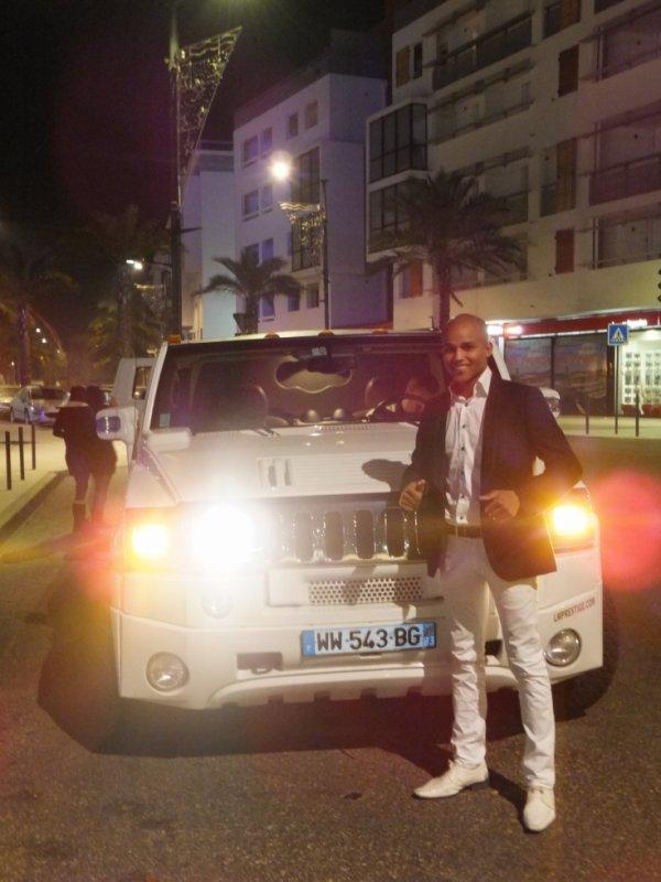 Petit Hummer limousine pour mon anniv........... tss a refaire et rendez vous pour mes 25ans