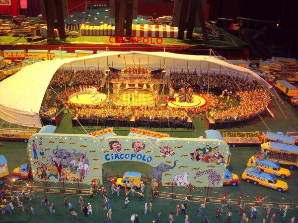 salon de la maquette de cirque a paris au cirque d'hiver bouglione