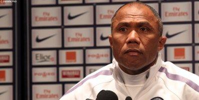 A. Kombouaré : « Rester au contact »