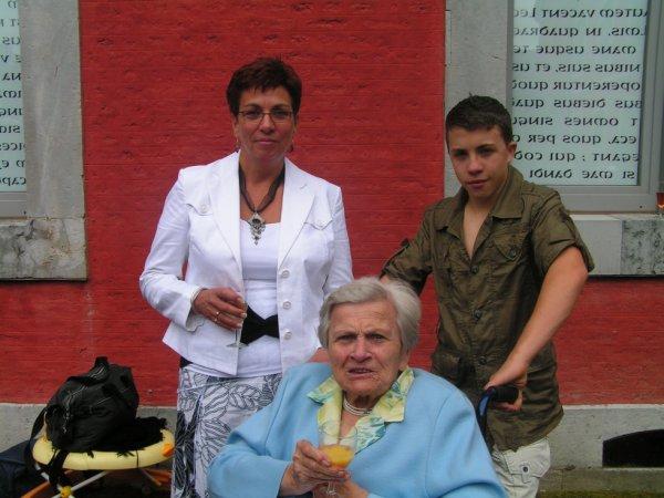 Benjamin , mon épouse et ma belle mère (mamy)