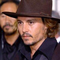♥Ashton Kutcher vs Johnny Depp♥