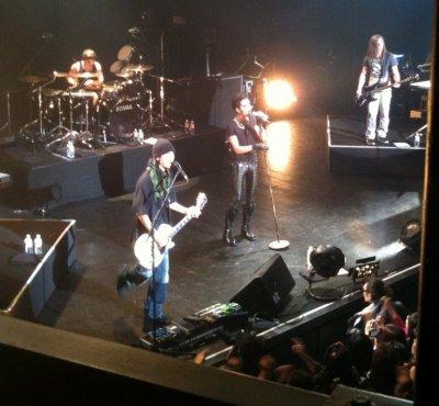15.12.2010 - Showcase à Tokyo (Japon) et Séance de dédicaces