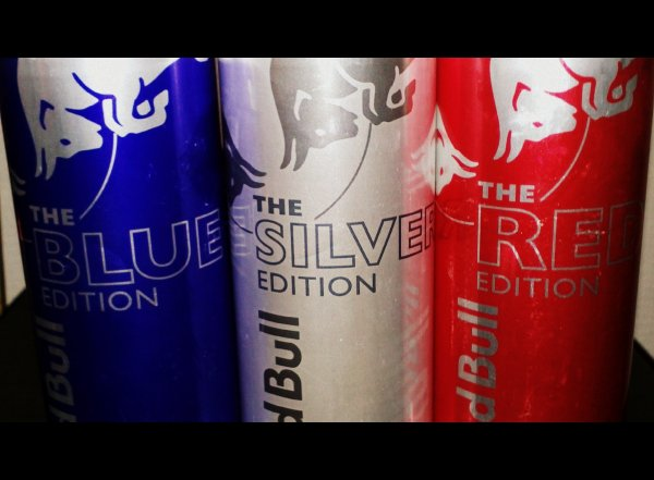 Mon energie !!! love red bull ^^ and love my heart !!^^