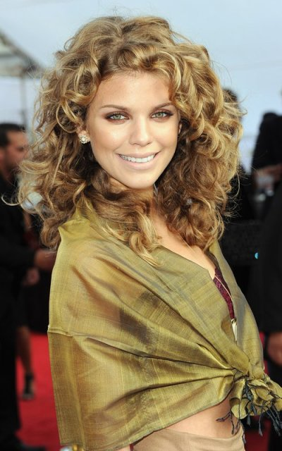 "AnnaLynne McCord lors du spectacle "" Iris, A Journey Into The World Of Cinema "" présenté par le Cirque du Soleil au Kodak Theatre à Los Angeles, le 25 september 2011."