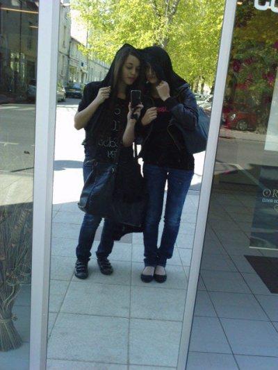 moi et mon amie  : me and my friend