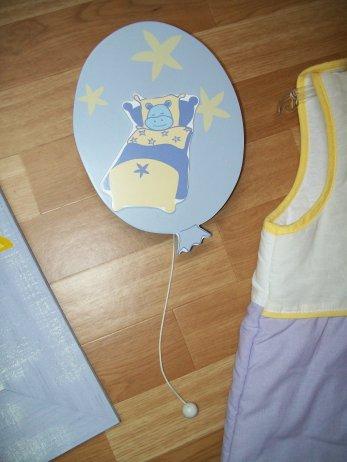 Décoration chambre Bébé théme Hippo ==> 30¤ le tout ( acheter au Aubert)