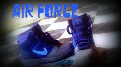 i loveeee myy shoes <3 <3 xD