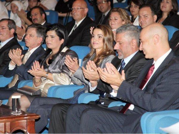 Actualité du 01/05/2012 (La reine Rania et les prix)