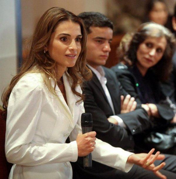 Actualité du 12/06/2012 (Rania et les diplômés)