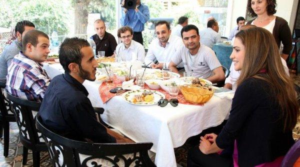 Actualité du 20/06/2012 (Rania et les bénévoles)