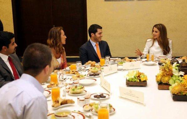 Actualite du 30/07/2012 (La reine Rania et les représentants)