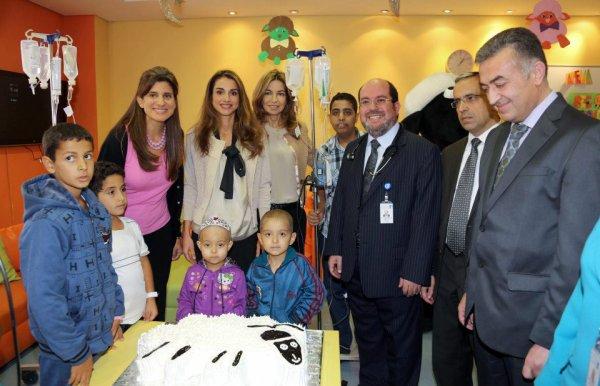 Actualité du 23/10/2012 (La reine rania, HRH la princesse ghida talal et HRH la princesse Dina Mared au King Hussein Cancer Center)