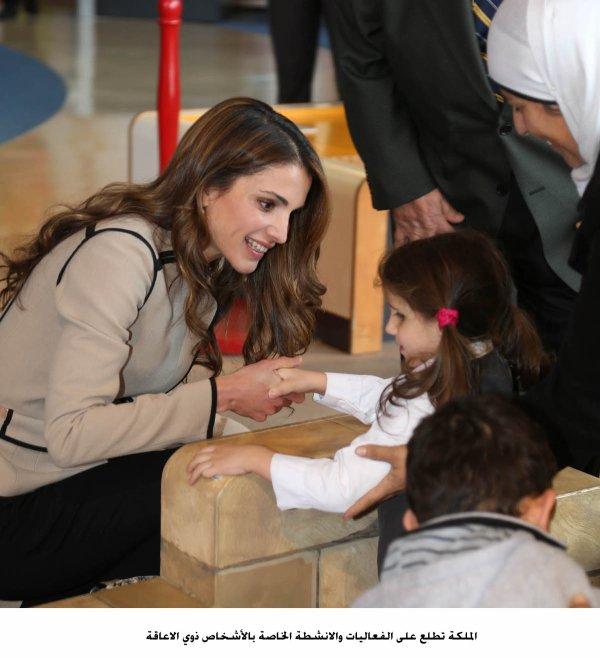 Actualité du 10/12/12 (La reine Rania en visite dans un musée)