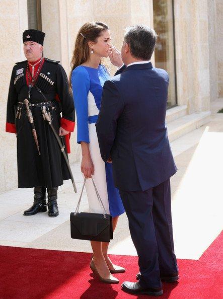 Actualité du 12/03/2013 ( Le roi, la reine, le prince Charles et la duchesse de Cornouailles)