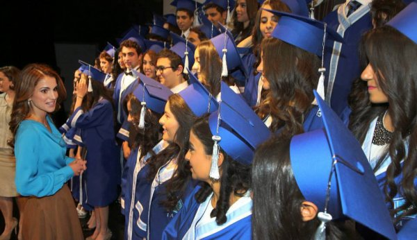 Actualité du 06/06/2013 (La reine Rania et les diplômés)