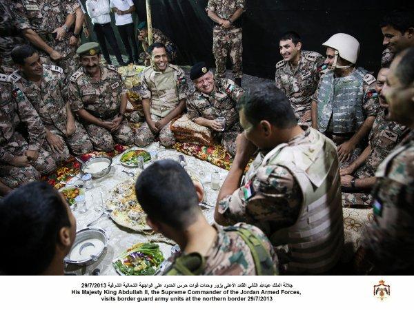 Actualité du 29/07/2013 (Le roi et les militaires)