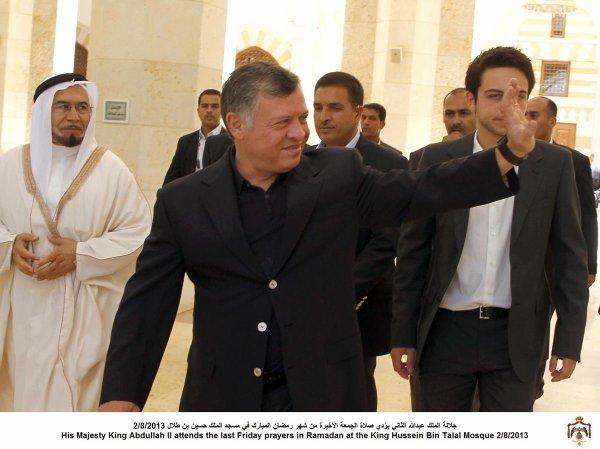 Actualité du 02/08/2013 (Le roi et le prince héritier à la mosquée)