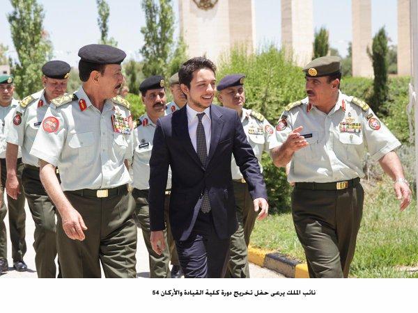 Actualité du 22/06/2014 (Le prince héritier et les millitaires)