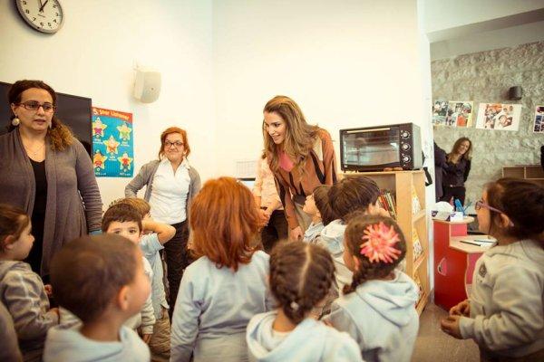 Actualité du 24/03/2015 (La reine Rania visite)