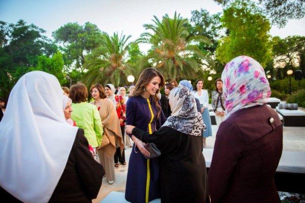 Actualité du 21/06/2015 (La Reine reçoit pour l'iftar)